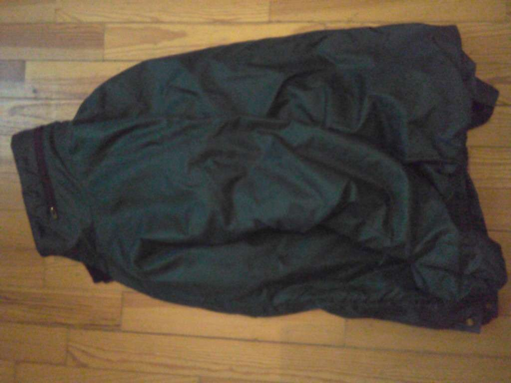 Trouvé - Manteau, Veste - Rennes, France - Sherlook.fr